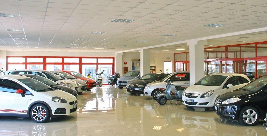 Immagine per la categoria AUTOVETTURE & AUTOCARRI